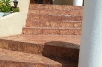 decorative-concrete-steps-021E3499FB-A843-2E23-3727-577ECF80AE73.jpg